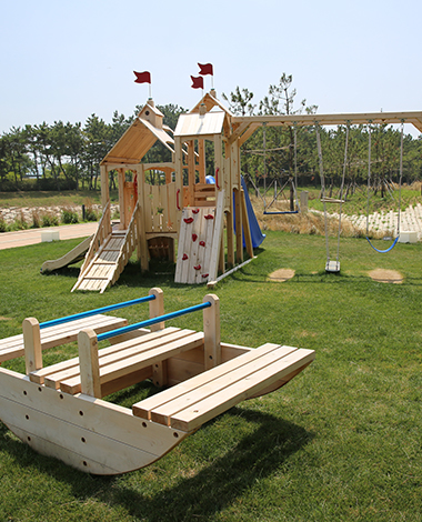 Kids Zone<br><small></small>